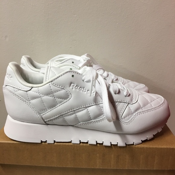 9c7920f7790cc Reebok quilted sneaker 